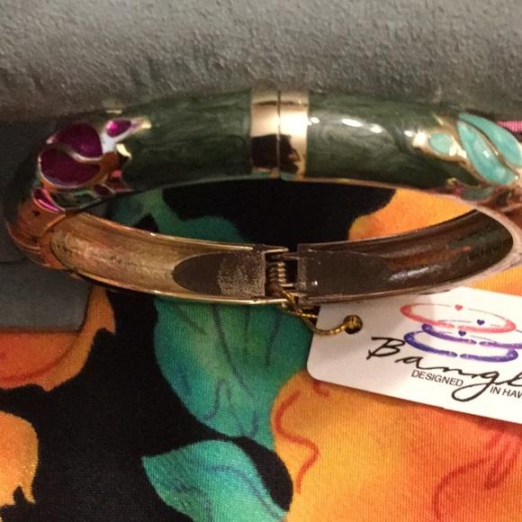 ad5873c901946 Jiu Long Xing hinged bracelet with turtles NWT